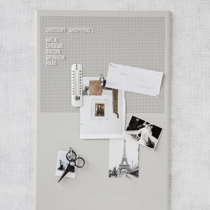 Grid oppslagstavle grå Monograph House doctor